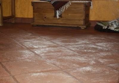 Cleaning a Saltillo or Terra Cotta Tile Floor- Highlands